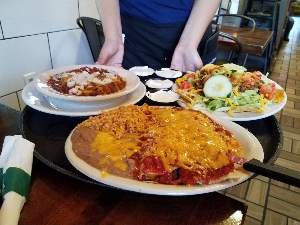 Los Cocos Mexican Restaurant: 107 NW 6th Ave, Okeechobee, FL