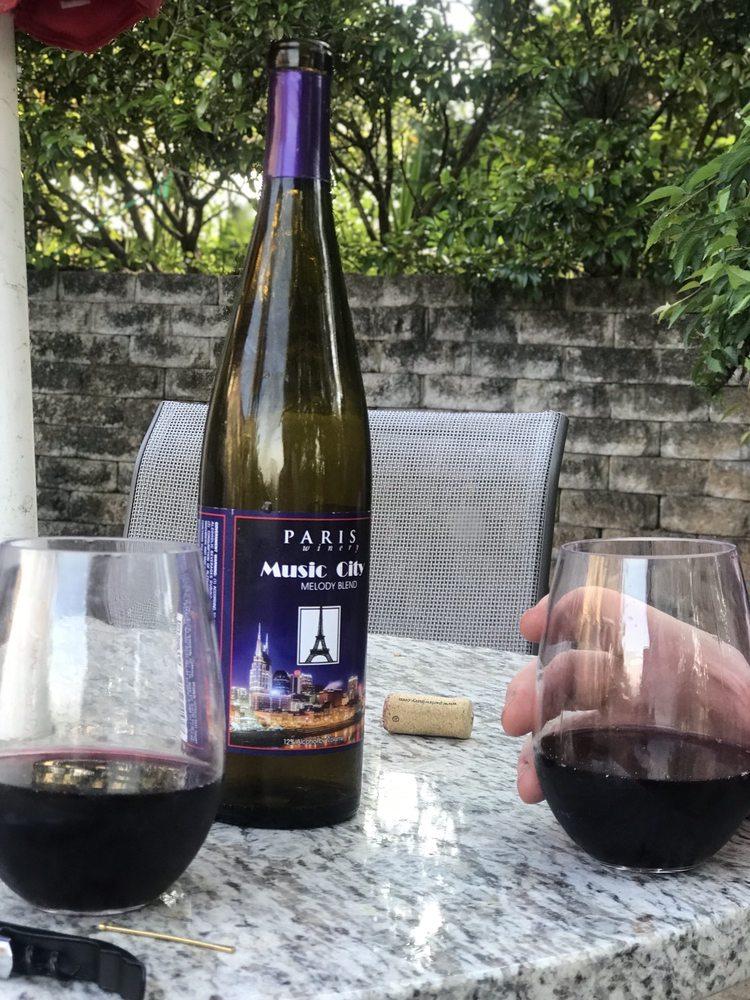 Paris Winery & Vineyards: 2982 Harvey Bowden Rd, Paris, TN