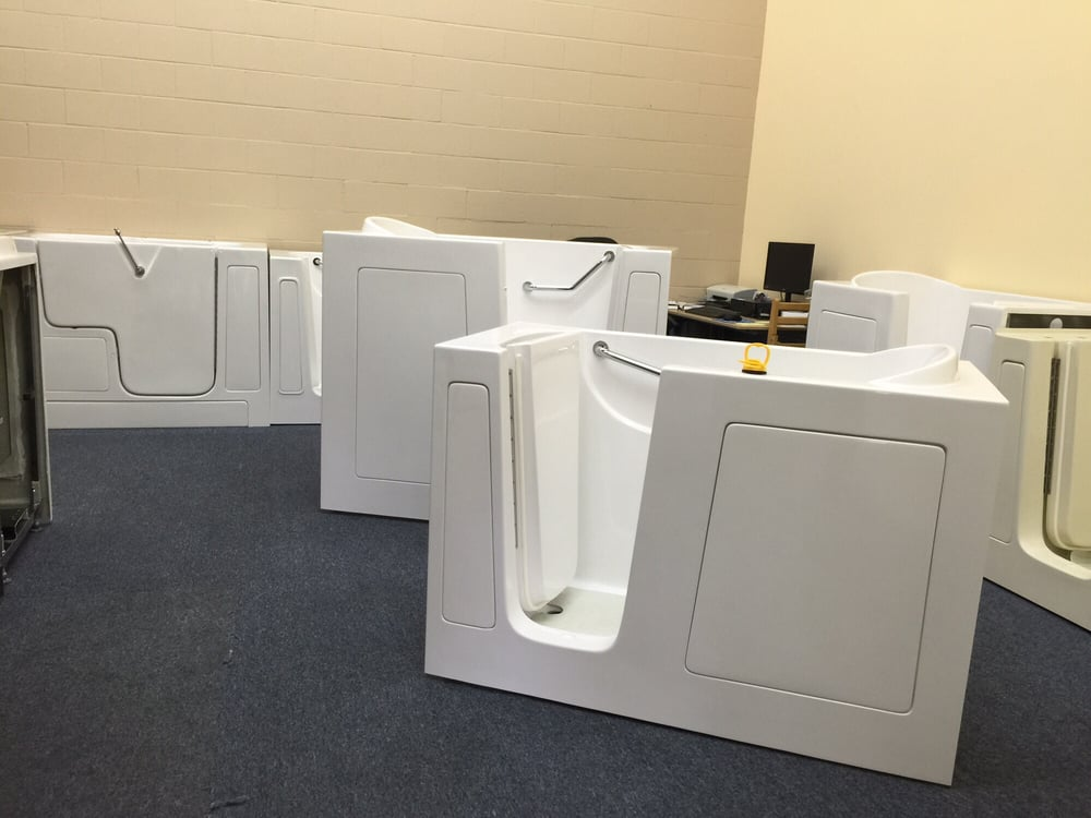 Showroom of about 20 different types of walk in bathtubs for Different types of tubs