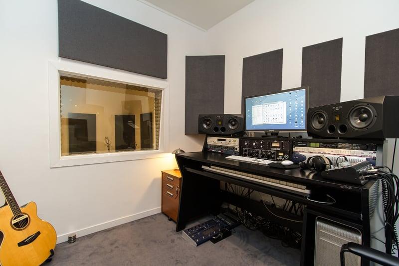 Up Line Studio  Studio d'enregistrement et de répétition  ~ Victor Hugo Fontenay Sous Bois