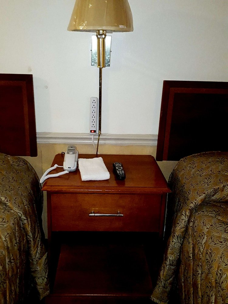 Traveler's Choice Motel: 13031 Hwy 603, Bay Saint Louis, MS