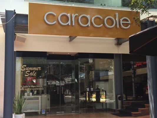 Caracole Furniture Stores Plaza Duendes Calzada San