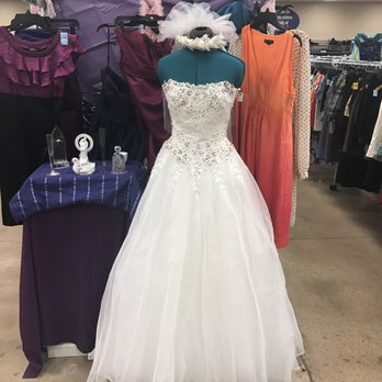 Goodwill industries 20 photos 33 reviews vintage for Goodwill wedding dress sale 2017