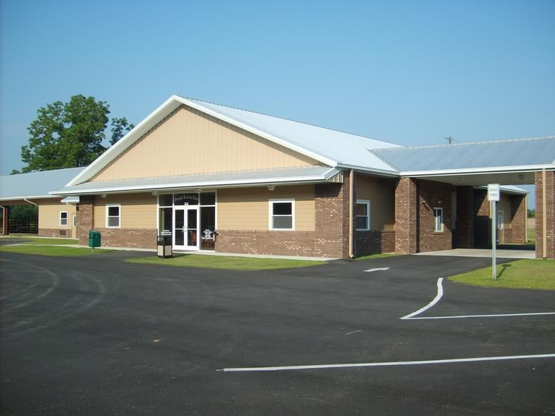 Panhandle Veterinary Services: 900 Falling Waters Rd, Chipley, FL