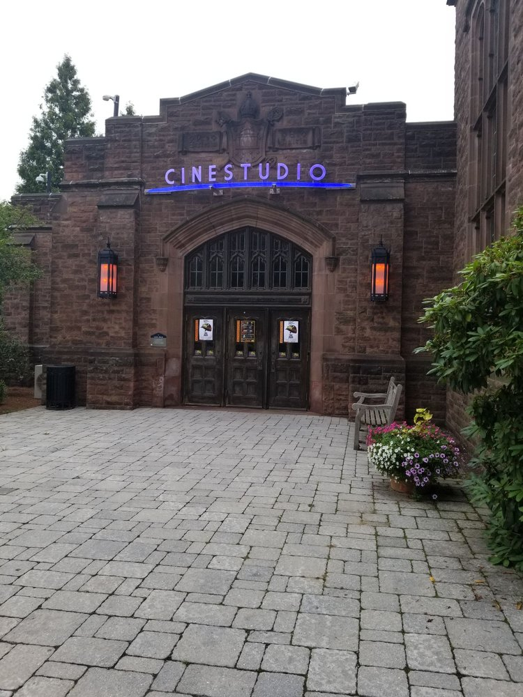 Social Spots from Cinestudio