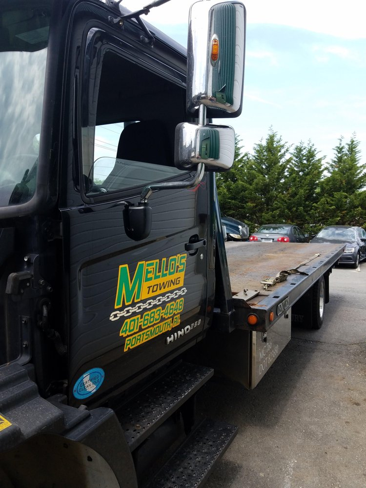 Towing business in Tiverton, RI