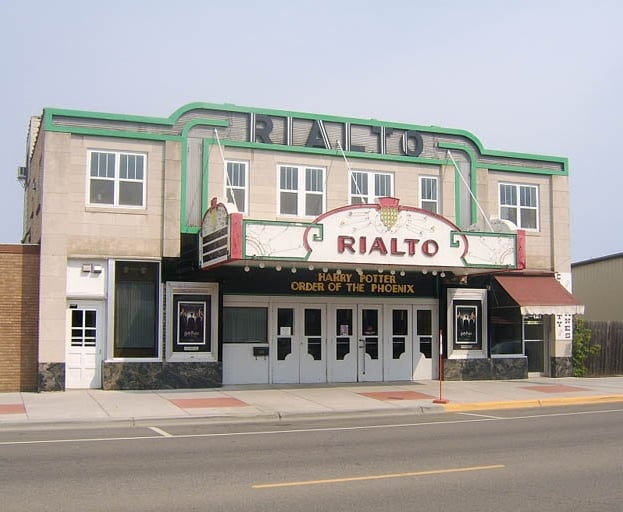 Rialto Theatre: 220 Minnesota Ave N, Aitkin, MN