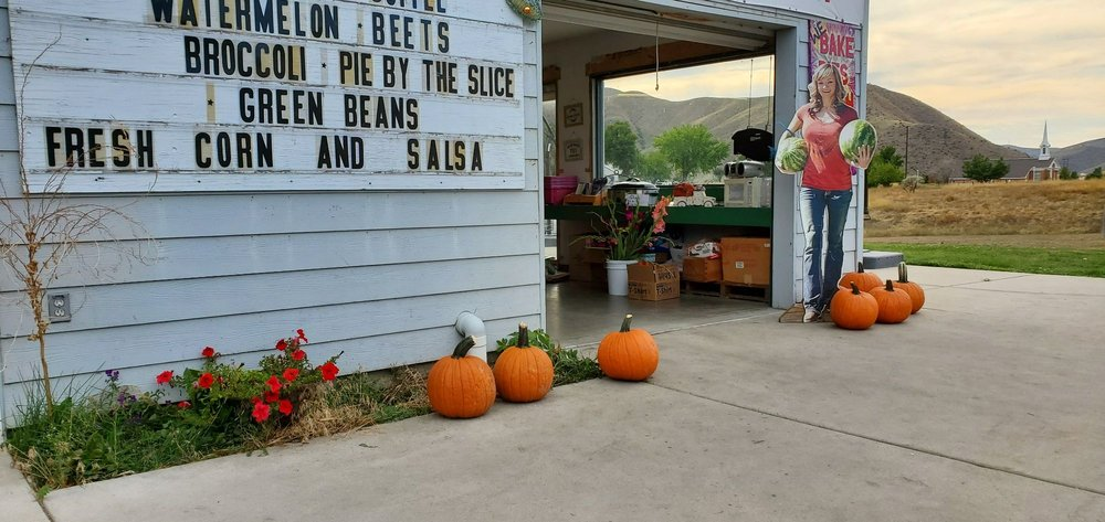 Volcanic Farms Produce Market: 457 Highway 55, Horseshoe Bend, ID