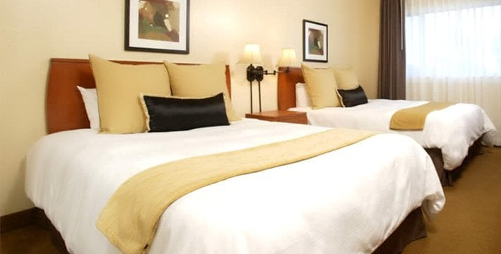 Hotel Suites For Parties Near Me