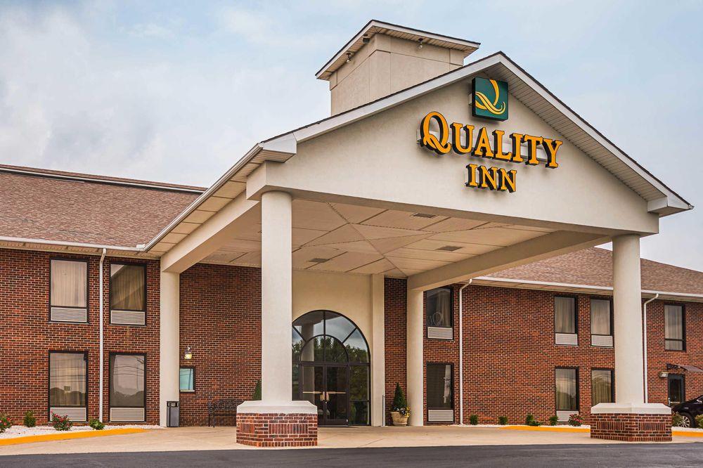 Quality Inn: 365 Peggy Flatts Rd, Berea, KY