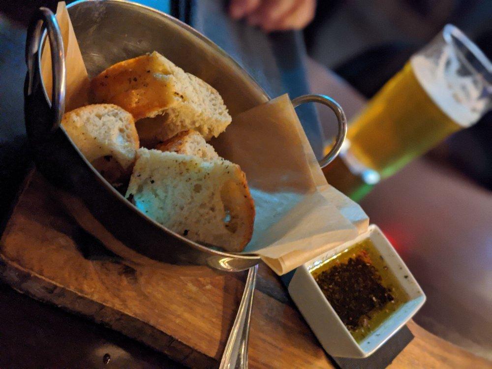 Testa Barra Kitchen & Cocktails: 48824 Romeo Plank Rd, Macomb, MI