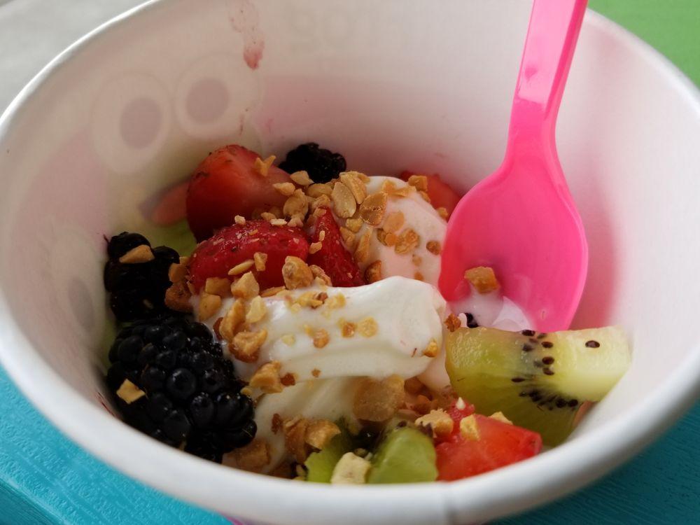 Sweet Frog Premium Frozen Yogurt: 2820 Pike St, Parkersburg, WV