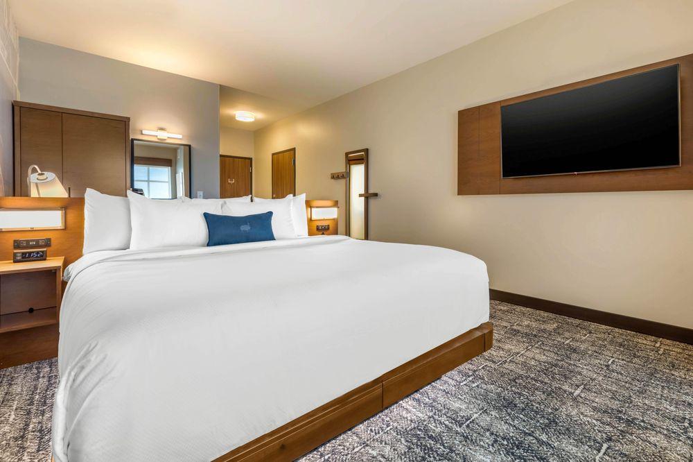 Cambria Hotel Bettendorf - Quad Cities: 5061 Competition Drive, Bettendorf, IA