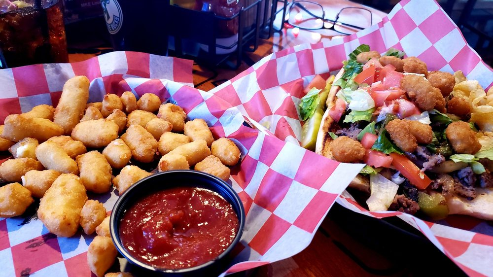 Tailgaters Bar & Grill: 7641 Hwy 38, Caledonia, WI