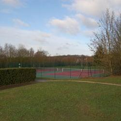Tennis du parc tennis rue jacques bossuet noisy le for Yvelines parc