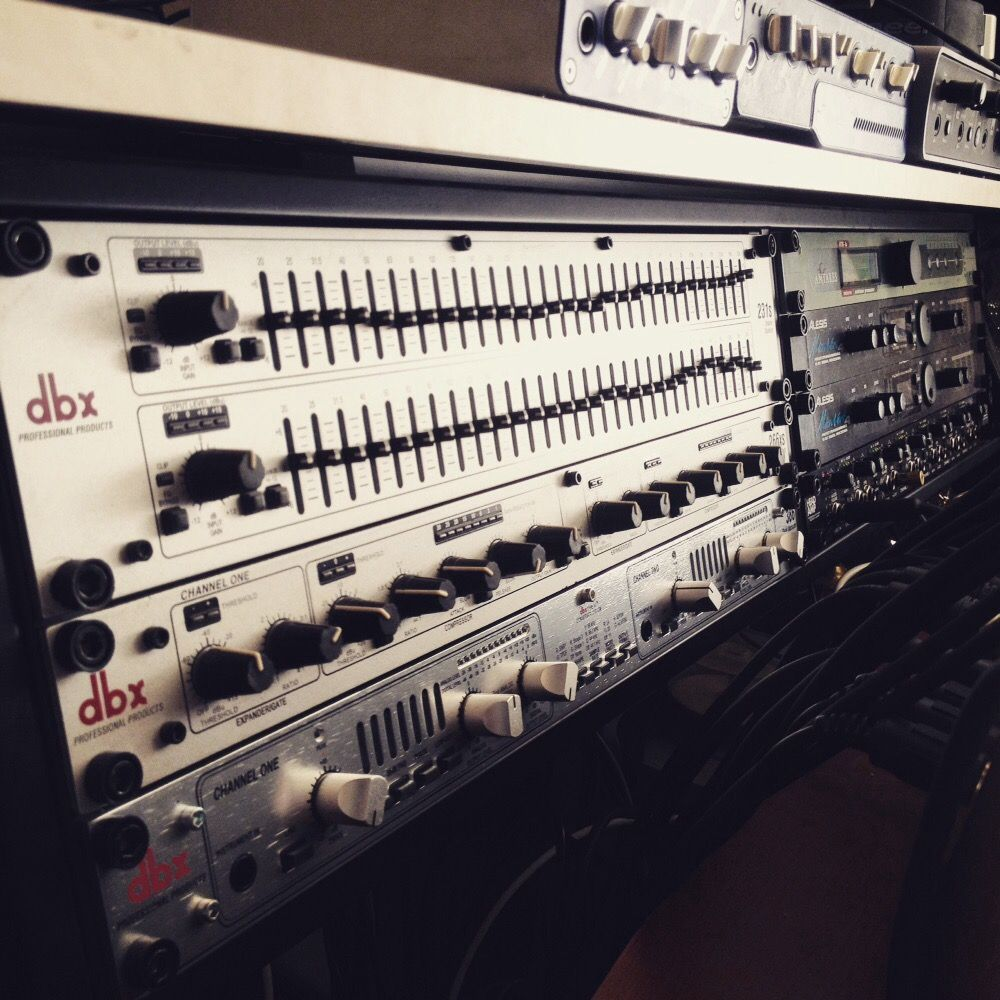 dbx 386 tube preamp dbx 266xs compressor gate dbx 231s 31band equalizer pro tools recordings. Black Bedroom Furniture Sets. Home Design Ideas