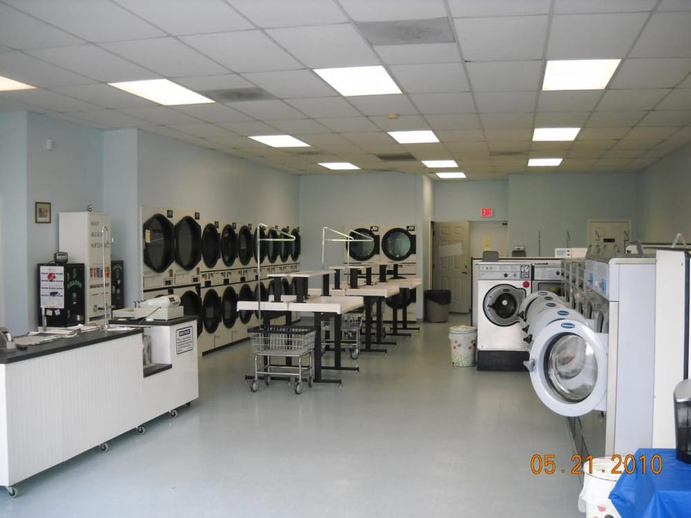 Dartmouth Laundromat & Dry Cleaning: 710 State Rd, North Dartmouth, MA
