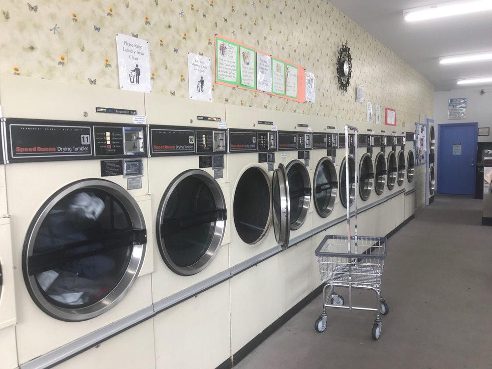 Marlin Ave Coin Laundry: 570 SE Marlin Ave, Warrenton, OR
