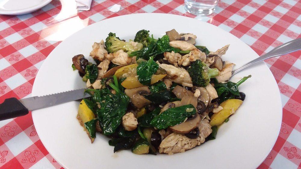 Bella Mia Italian & American cuisine: 500 E Cano St, Edinburg, TX