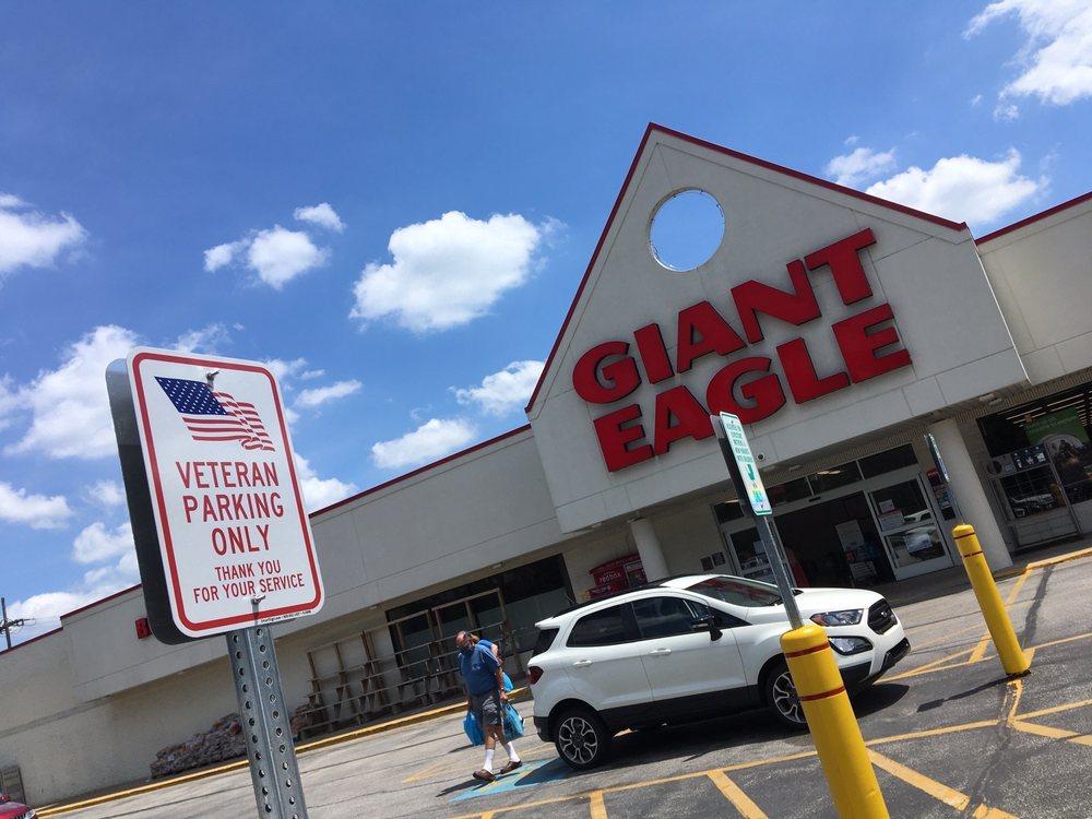 Giant Eagle: 606 Erie St, Edinboro, PA