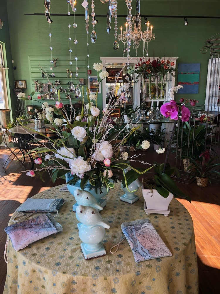 A Bouquet From Sweet Nectar: 473 Olde Waterford Way, Leland, NC
