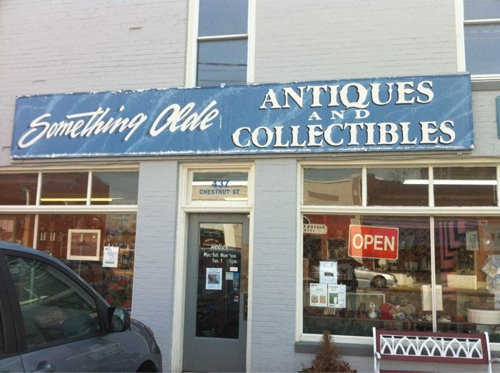 Something Olde Antique Mall: 437 Chestnut St, Berea, KY