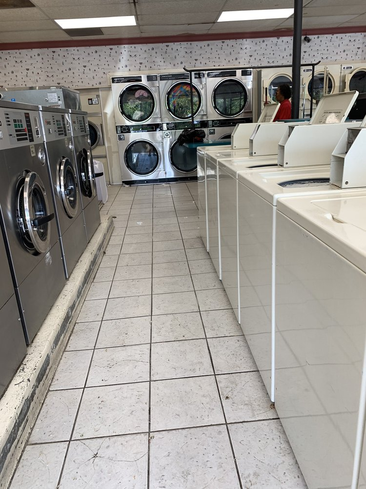 Maytag Coin Laundry: 255 New Shackle Island Rd, Hendersonville, TN