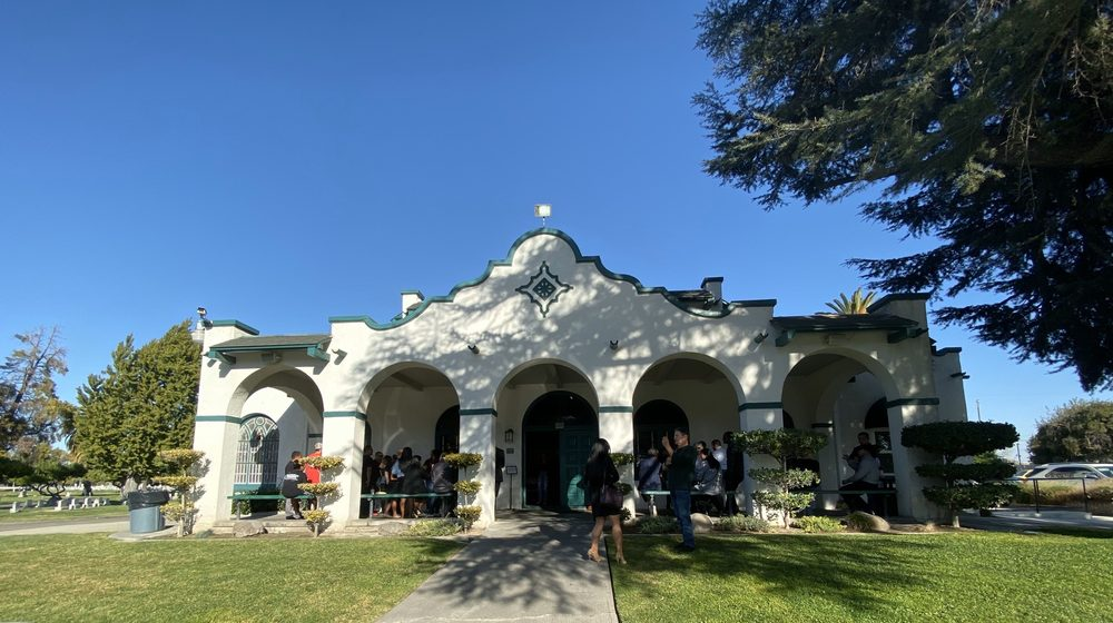 Park View Cemetery & Funeral Home: 3661 French Camp Rd, Manteca, CA