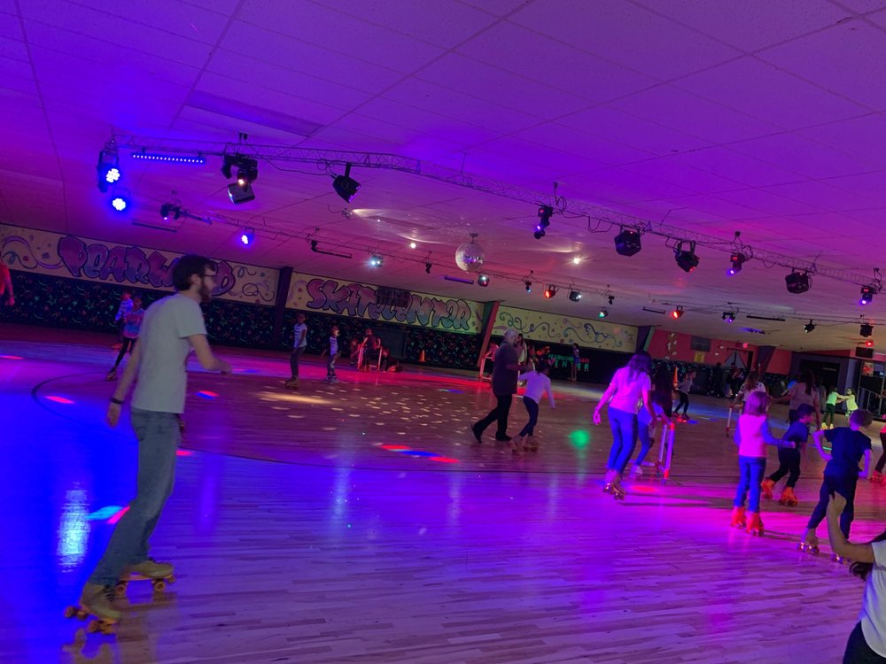 Pearwood Skate Center: 1230 Broadway St, Pearland, TX