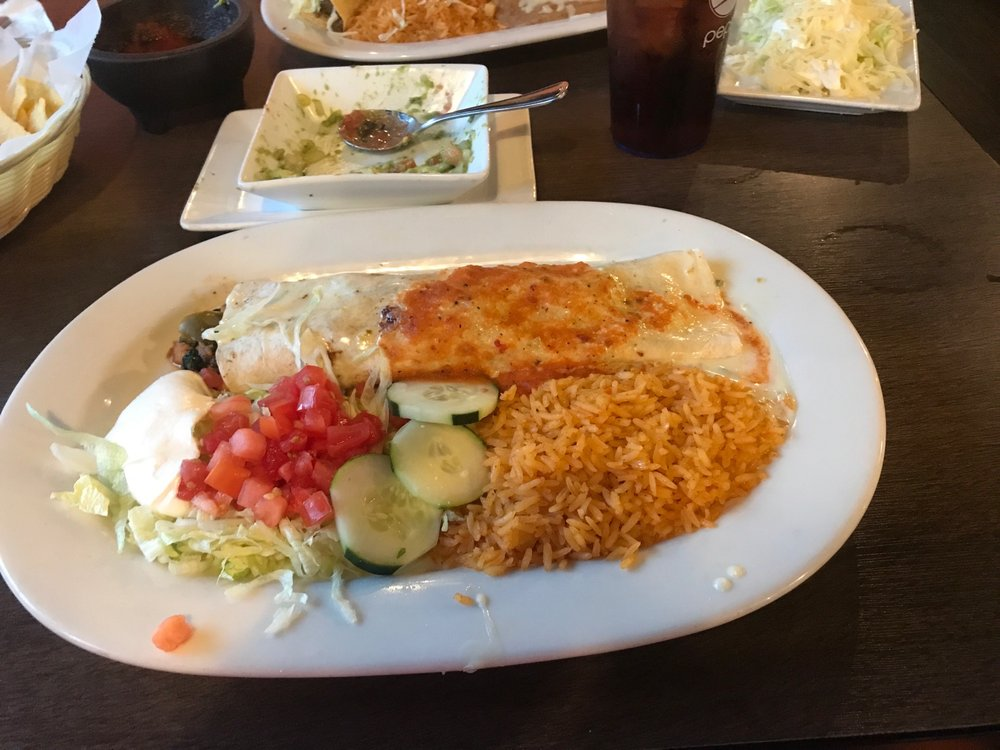 Pacifico Mexican Bar & Grill: 820 Indiana Ave, Sheboygan, WI