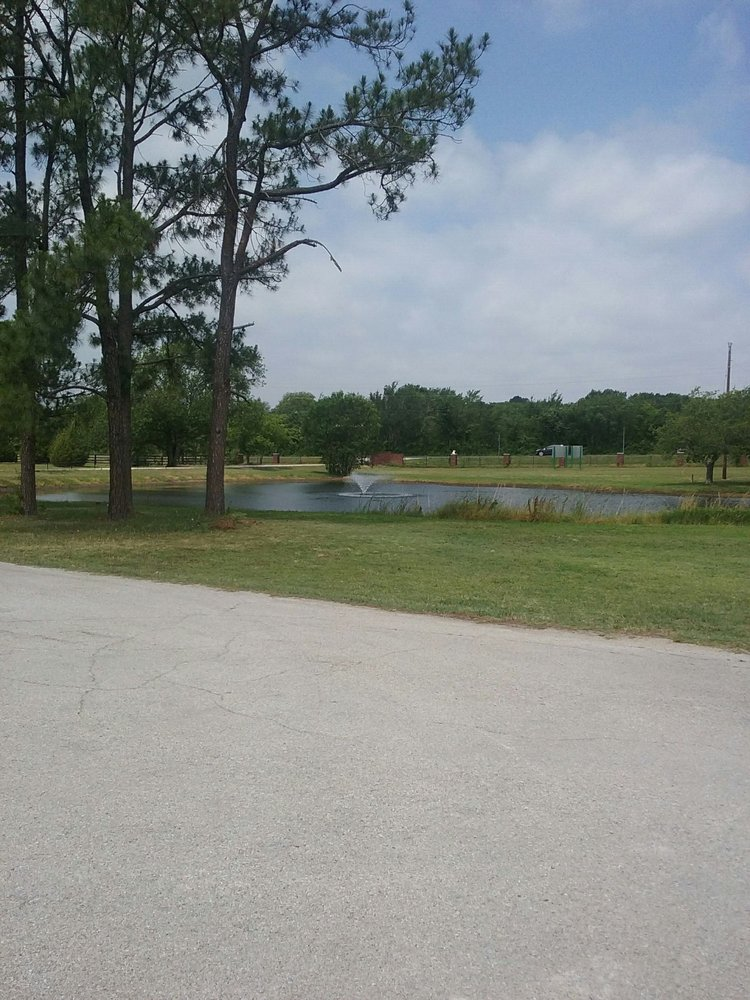 Windsong Kennels: 6275 Fm 1830, Argyle, TX