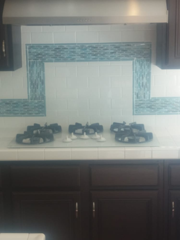 3x6 White Subway Tile With A Green Blue Beach Glass Liner