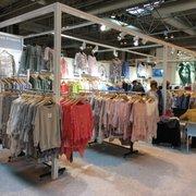 Wholesale Shopping - 82 Photos - Women's Clothing - 36C