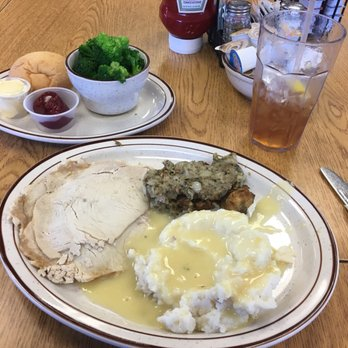 Photo Of Tommy S Restaurant Cedar Rapids Ia United States Roast Turkey And