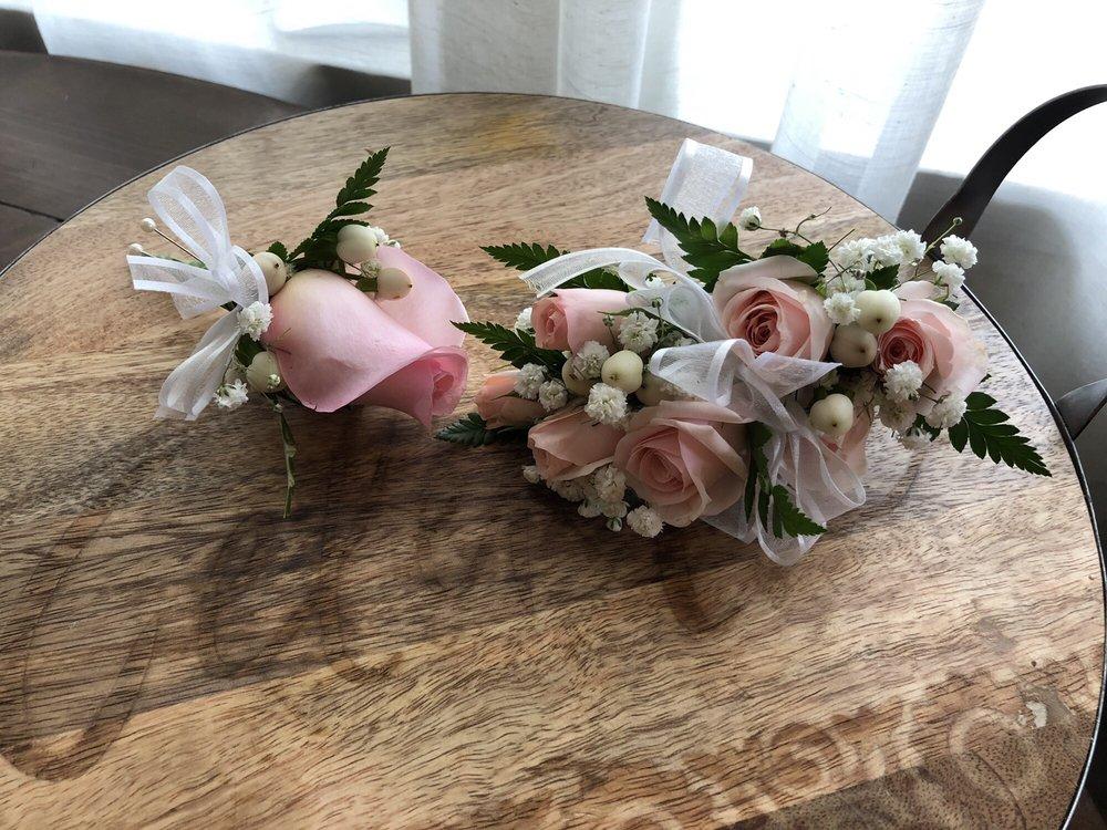 Louis Gardens Florist