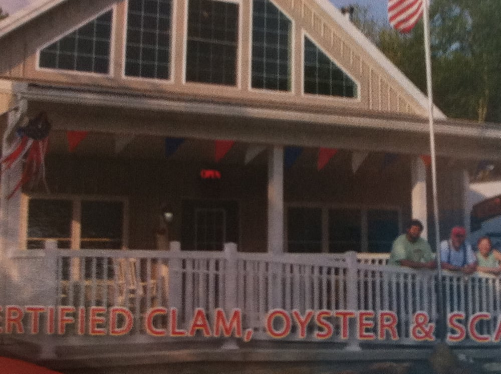 River road clam house seafood markets 2115 river rd for Fish market jersey city