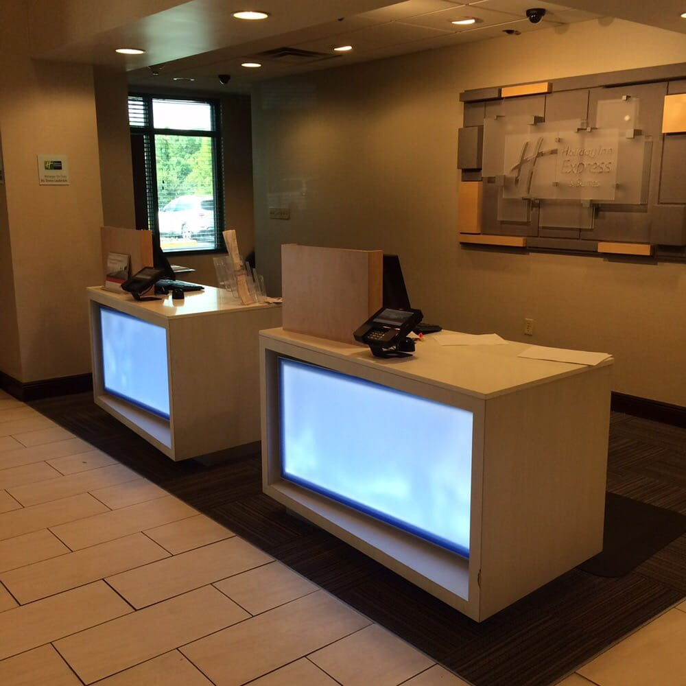 Holiday Inn Express & Suites Mobile West - I-10 - 10 Reviews ...