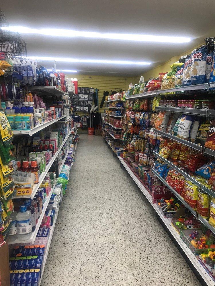 Long Key Supermarket: 68100 Overseas Hwy, Long Key, FL