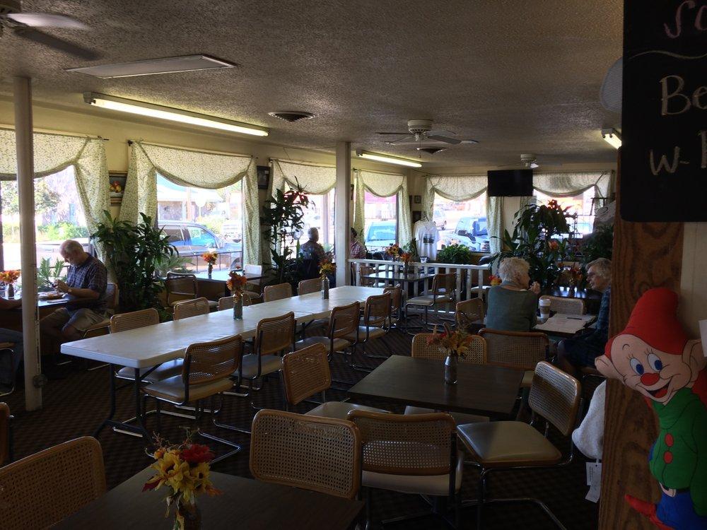 Newman's Bakery: 504 E Main St, Bellville, TX