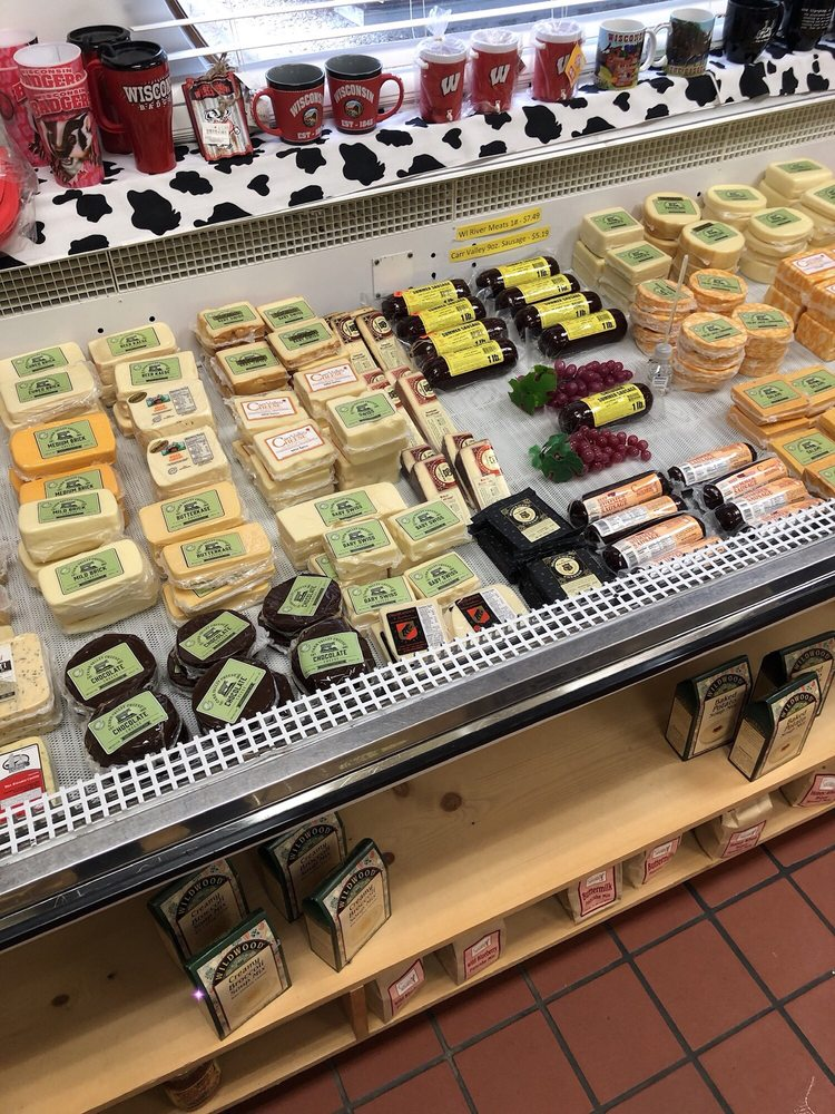 Carr Valley Cheese: 1675 Lincoln Ave, Fennimore, WI