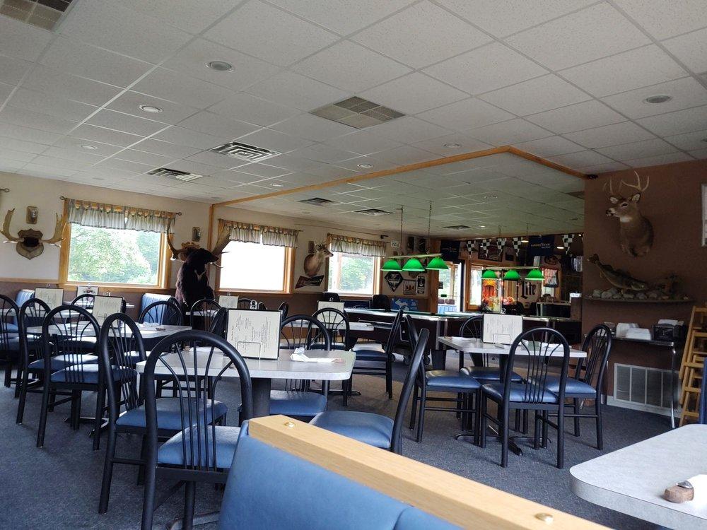 Snipe Lake Pub & Grill: 675 Baumgartner Rd, Iron River, MI