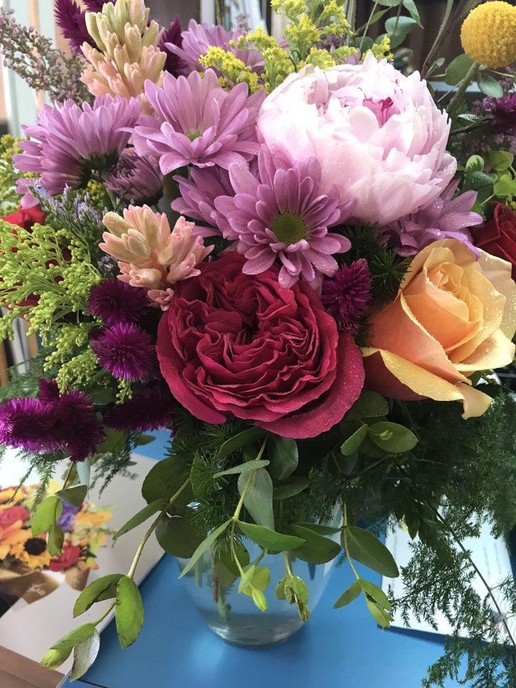 Brenham Wildflowers: 801 S Market St, Brenham, TX