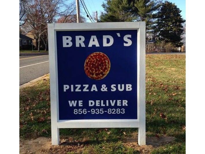 Brad's Pizza & Subs: 500 Locust Island Rd, Hancocks Bridge, NJ