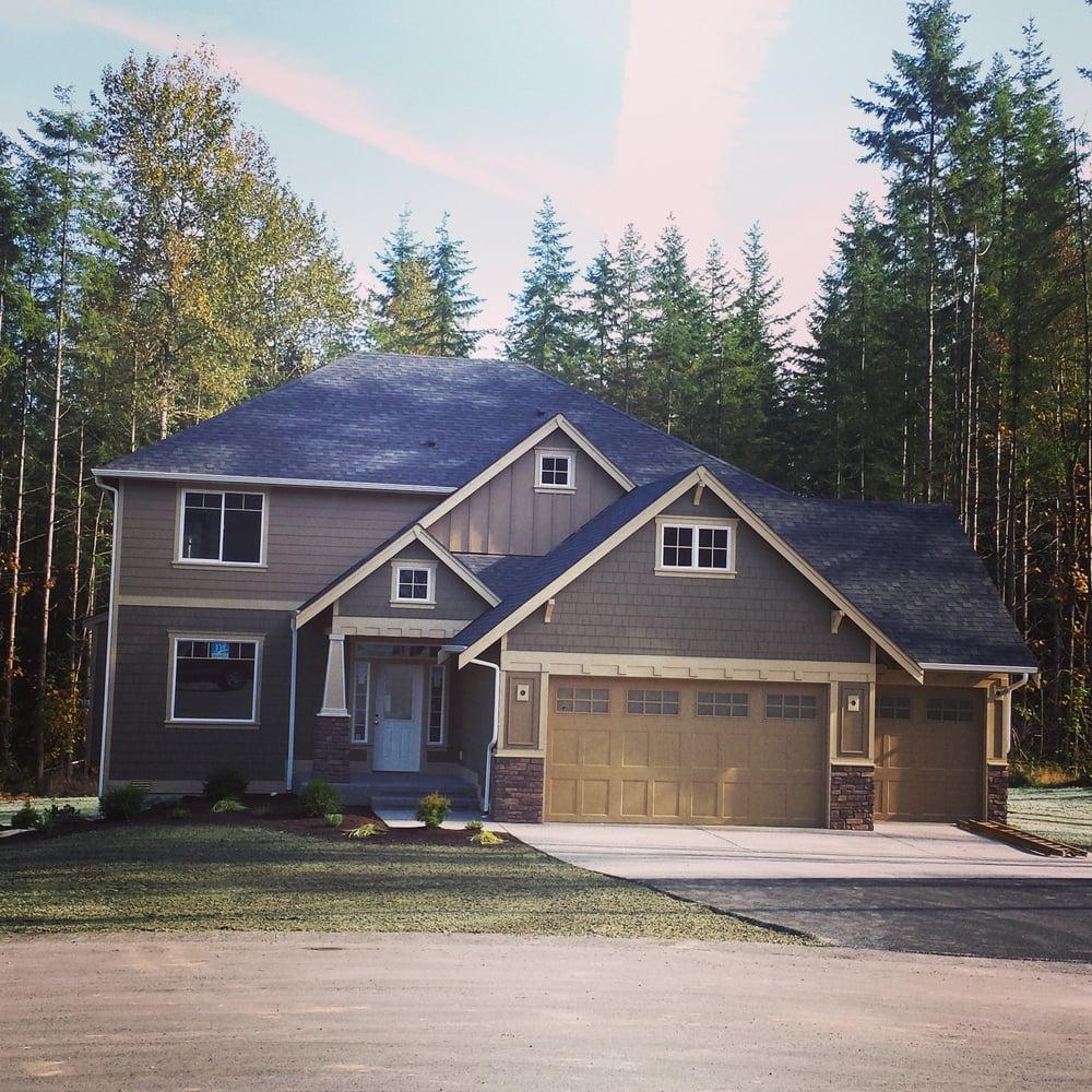 Kenzie Kipper - Camano Island/Stanwood Real Estate Broker   1100 Central Dr, Camano Island, WA, 98282   +1 (425) 765-4432