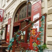 Brot Spiele 12 Photos 25 Reviews Pubs Laudongasse 22