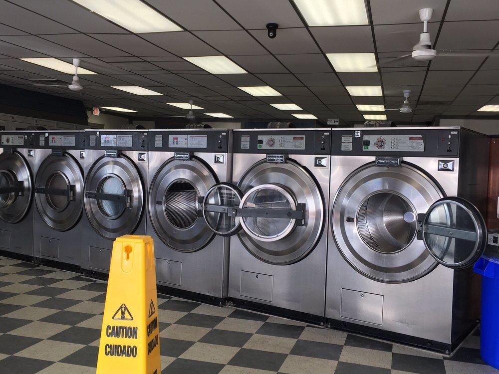 Mr Clean Washateria: 1702 1st St E, Humble, TX