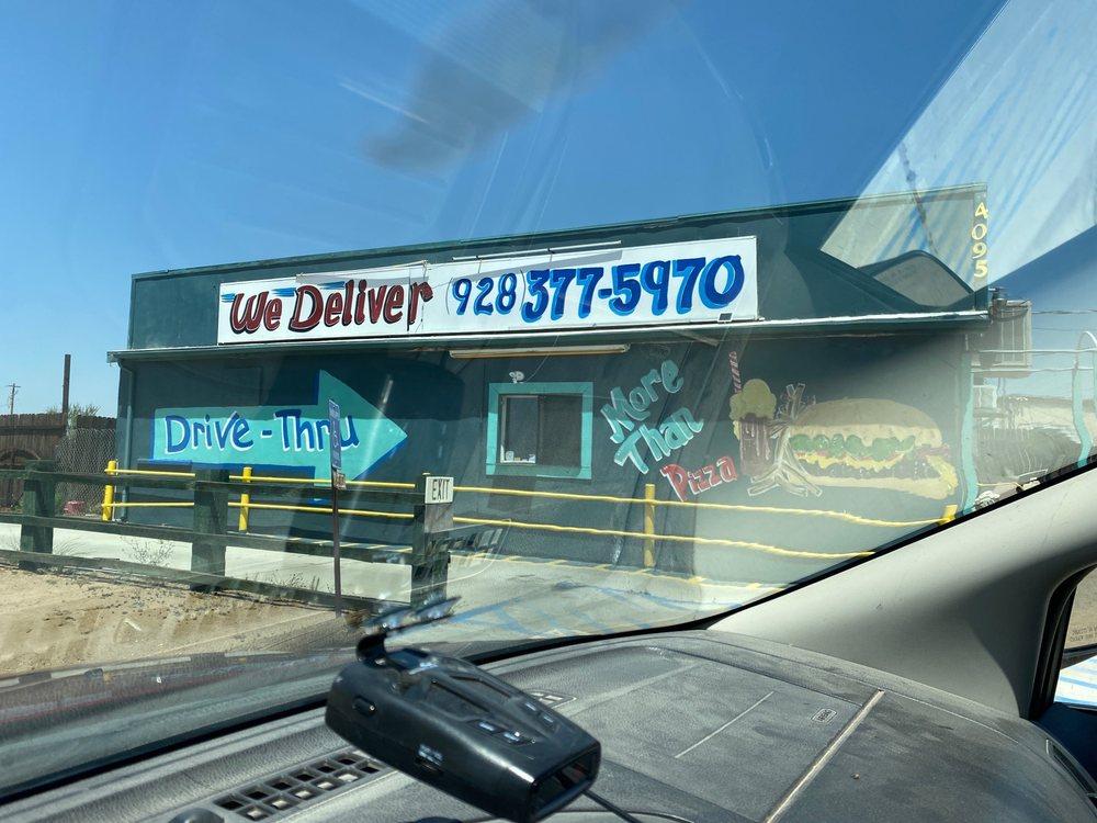 Valley Pizza: 4095 US Highway 68, Golden Valley, AZ