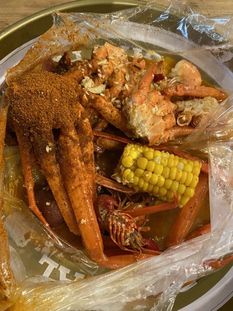 Lynnie Bo's Seafood And Wings: 8275 Highway 48, Lineville, AL