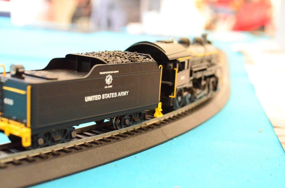 HR Trains & Toys: 7900 49th St N, Pinellas Park, FL