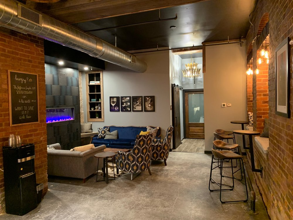 Reserve Tasting Room & Lounge: 1101 Jefferson St, Lynchburg, VA